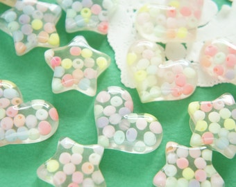 8 pcs Star and Heart Beads Filled Clear Cabochon (22-28mm) IK156