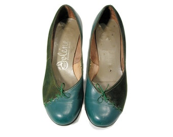 60s Green Flats 5, Two Tone Green Leather Shoes, Green Leather Flats, 1960s Jolene Green Suede Shoes Size 5