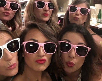 BLANK Wayfarer style sunglasses~great for bachelorette parties, bridesmaids, birthday parties, girls weekends, graduations and vacations!