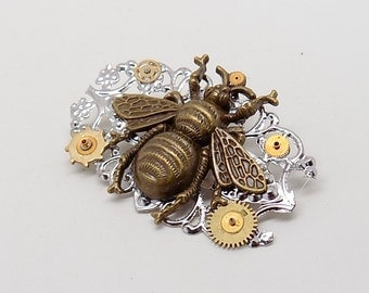 Steampunk bumble bee with gears brooch pin. Steampunk jewelry.