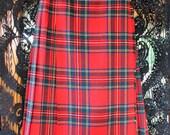 VINTAGE Deans of Scotland Wool Red Plaid Skirt wrap buckles - vintage size 8