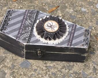 Medium Vintage Halloween Gothic Wooden Coffin Box Vampire Dracula Victorian Steampunk VAMPIRE Damask Paper Spider