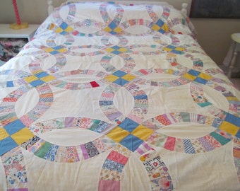 "Vintage Quilt Top 1930s Feed Sack Fabrics Wedding Ring 8 SPI 73"" x 89"""