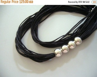 Black  necklace in Satin and shiny silver beads