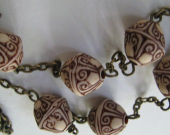 Rust Brown Carved Pattern Necklace, Brown Necklace, Beige Brown Necklace, Antique Bronze Necklace, Folk Pattern Necklace