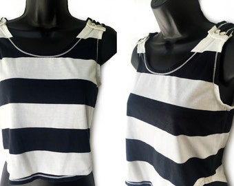 70s 80s Black and Ivory Stripe Crop Tank Top S
