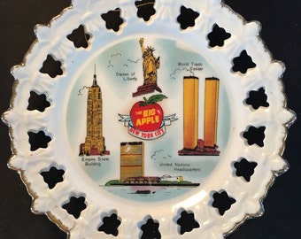 """Vintage Collectible New York City """"Big Apple"""" Plate - Twin Towers - 1970s"""