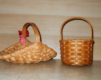 Vintage Baskets - American Small Sweet Farmhouse Splint Baskets - Open Buttocks Basket - Garden Display Bentwood Handle - rustic oak basket