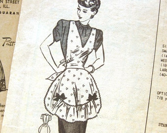 1940s Vintage Sewing Pattern - Anne Adams Original 4979 - Pinafore Apron with Ruffles / Small 32-24 Bust