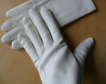 Cream PVC Gloves