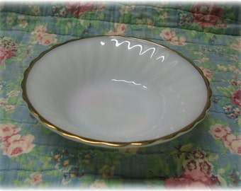 """2 Fire-King Anchor Hocking Bowls Suburbia Scalloped Milk Glass Swirl Gold Rim Cereal Salad Bowls 6.5"""""""