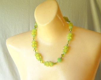 Vintage Necklace Beaded Necklace Green Beaded Necklace 1950s Necklace