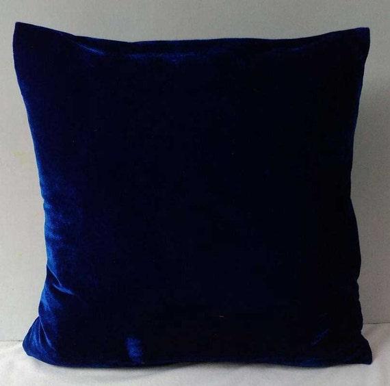 Etsy Navy Throw Pillow : Navy blue velvet throw pillow. Shiny velvet pillow. Blue
