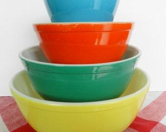 Pyrex Bowl Set,  Primary Nesting Bowls, Pyrex Primary Bowls,  Retro Pyrex Bowls, 1950s Pyrex Bowls, Pyrex Nesting Bowl Set