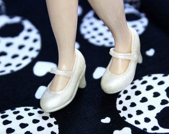 Blythe Pearl Shimmery High Heeled Mary Jane shoes