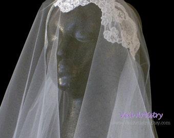 Bridal Veil, Juliet Cap Veil, Sweep Veil, 2 Tier Veil, Lace Trim Veil, Lace Veil, Vintage Inspired Veil, Ready-To-Go Veil, Handmade Veil