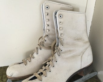 Winter Break Pirouette - Early 60's Leather Ladies Ice Skates