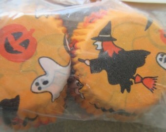Vintage Baking Cups, Wilton Baking Cups, Halloween Favors, Halloween Baking Cups, Ghosts Witches Orange and Black, Vintage Holiday Supply