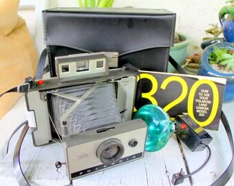 Poloroid Camera 320 Vintage 1960s