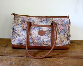 Vintage 80s Floral Suitcase Large Weekender Overnight Bag Tapestry Carry On Duffle Bag Double Strap Suitcase Boho Travel Shoulder Bag Tote