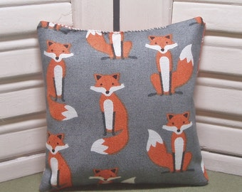 Lavender sachet, cute fabric covered with crafty little foxes, woodland animals, filled with 100% dried lavender for a calming fragrance