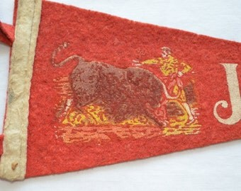 sale Vintage JUAREZ MEXICO Bullfighter felt pennant smaller size souvenir