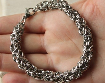 Mens bracelet, can be worn in water, Hypoallergenic stainless steel, Byzantine chainmail for men or women strong chainmaille bracelet sf195