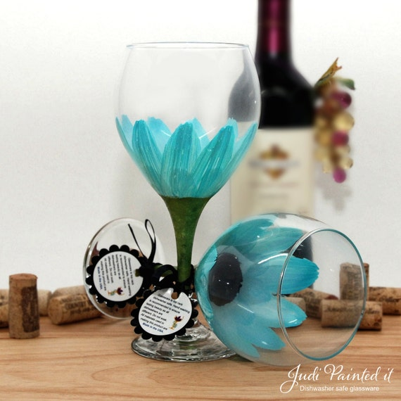 flower wine glass, floral wine glass, painted wine glass, sky blue flower, daisy, gerber daisy, wine lover gift, pastel, large wine glass