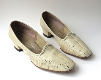 60s vintage Palest Yellow Perforated Leather Florsheim Ramblers Shoes