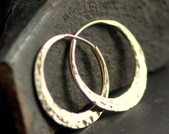 14k yellow gold hoop, hammered small round earring, high mirror polish and ball pein round texture