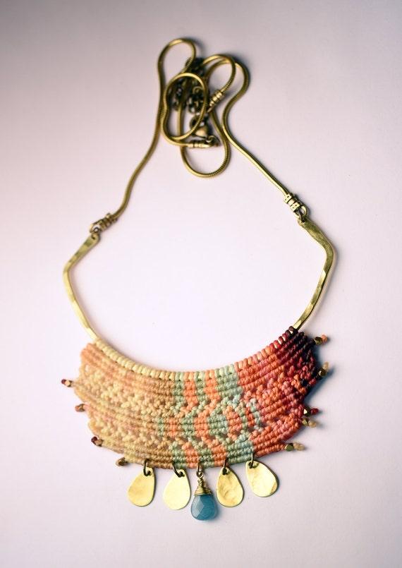 Cleopatra Necklace Magnolia Colors