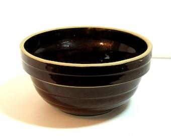 Brown Pottery 9 Inch Mixing Bowl, Farmhouse Kitchen