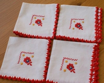 "Wonderful hungarian embroidered doily, ""Matyo"" -- 4 pieces"