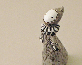 The White Pawn - A Classic Poppet - Lisa Snellings
