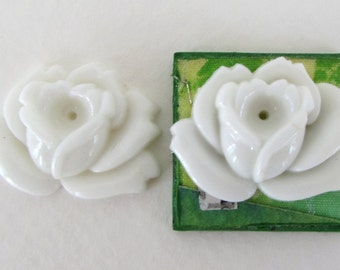 Vintage Glass Flower Cabochon White Rose Carved Effect Occupied Japan 26x19mm gcb1272 (2)