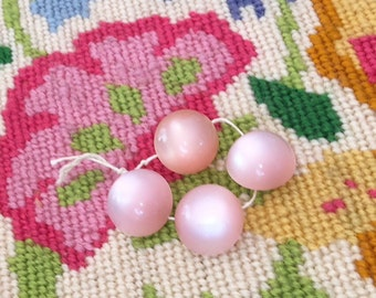 4 light pink colored vintage buttons with metal shanks - 14 mm