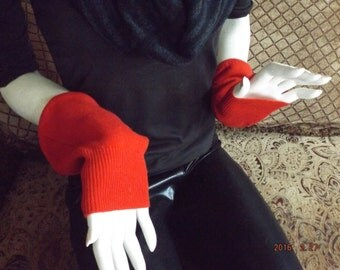 "Red Short Upcycled Pure Cashmere ""Millie"" Mittens"