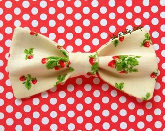 Strawberry Bow Clip Retro Small Hair Bow Strawberries on the Vine Bows for Girls Teens Adults Kawaii Sweet Lolita