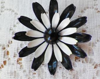 Vintage Retro Black and White Metal Flower Pin / Brooch / Broach, Cupped, Painted / Enameled / Enamel, Bride / Bridal