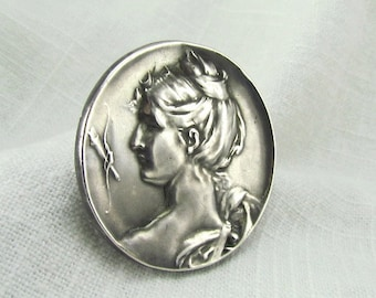Circa 1910 Unger Brothers Art Nouveau Silver Brooch