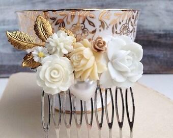 White & Cream Flower Hair Comb Bridesmaid Gift Hair Accessory Nature Wedding Spring Garden Summer Hair Clip