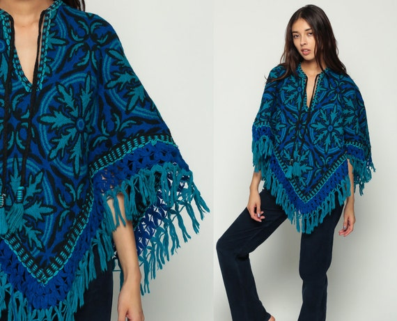Ethnic Poncho Shawl 70s Hippie Cape Fringe Cape Jacket Boho 1970s Vintage Bohemian Blue Graphic Festival Knit XS Small Medium