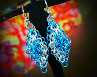 Blue chainmaille dangle earrings