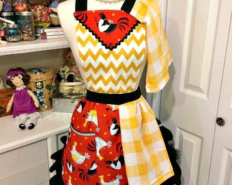 Retro woman's chickens full apron with set of two detachable towels