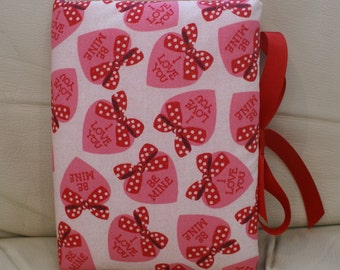 CLEARANCE SALE-Padded Fabric Valentine Photo Album - Hearts and Bows
