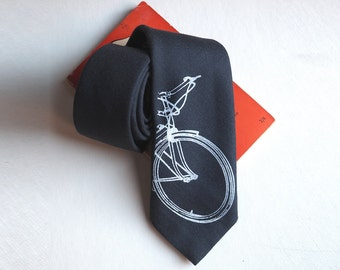 Bike tie, mens tie, bicycle tie, bicycle gifts, bike gift, cycling gifts, cyclist gift, mens gift, gift for dad, brother, fathers day