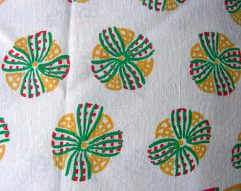 Vintage Novelty Feedsack Flour Sack  Cotton Quilting Fabric //  YELLOW BOWS  // 32 x 41