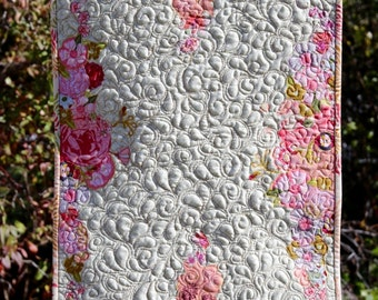 MarveLes PEACHES and CREAM Autumn Fall Collage Quilted Table Runner Gold Pink Peach
