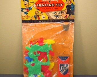 Walt Disney Character Tracing Set Vintage 1950s Goofy - Minnie Mouse - Daisy Duck Plastic Toys