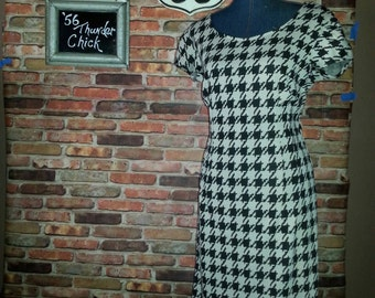 Rockabilly clothing/Houndstooth Style Wiggle Dress/womans clothing
